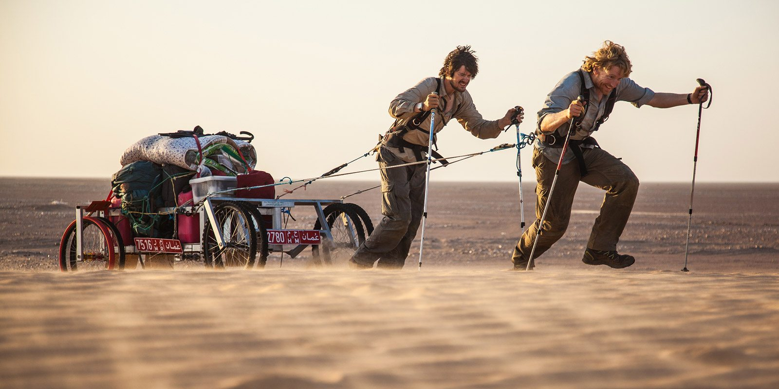 Hauling for 1000 miles on an expedition crossing the Empty Quarter