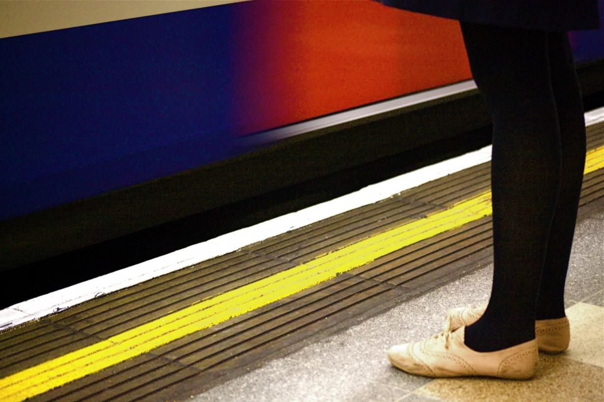 mind the gap train legs
