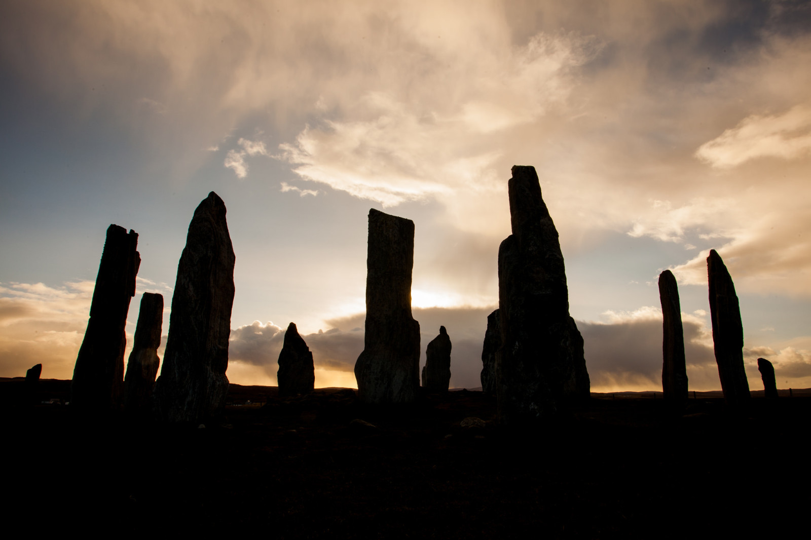 callanish standing stones sunrise