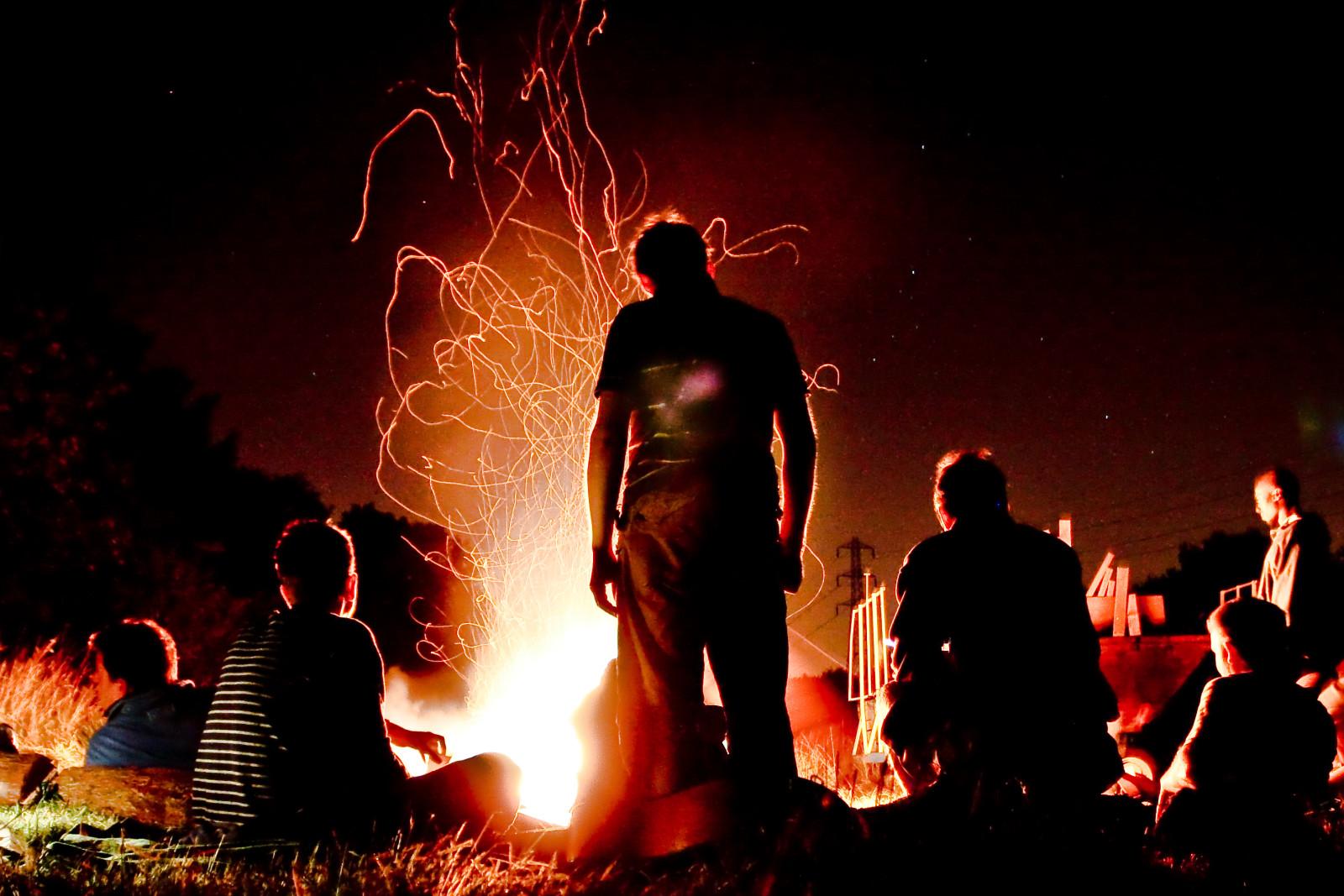 campfire alastair humphreys